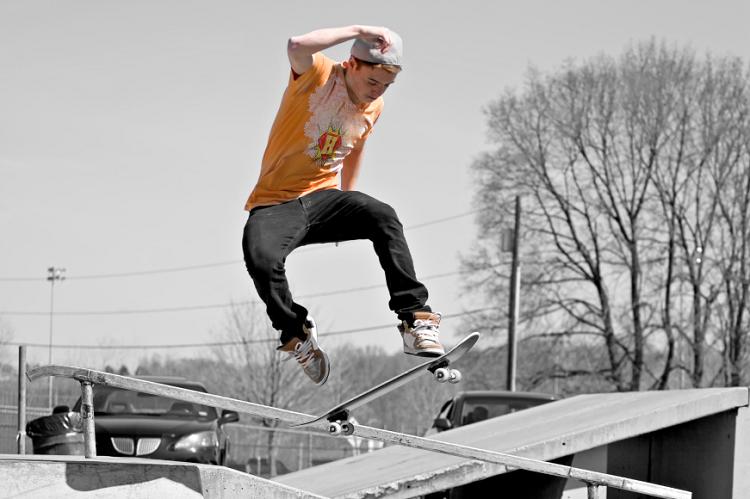 Help Energy Skateboard Contest