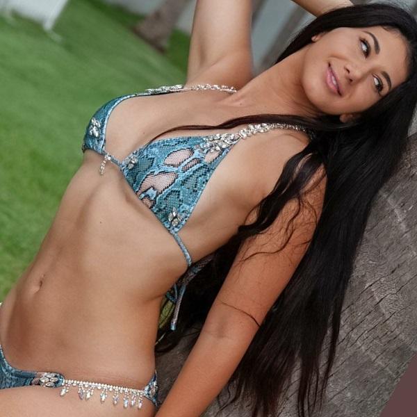 hiss-hypnotizer-bikini3