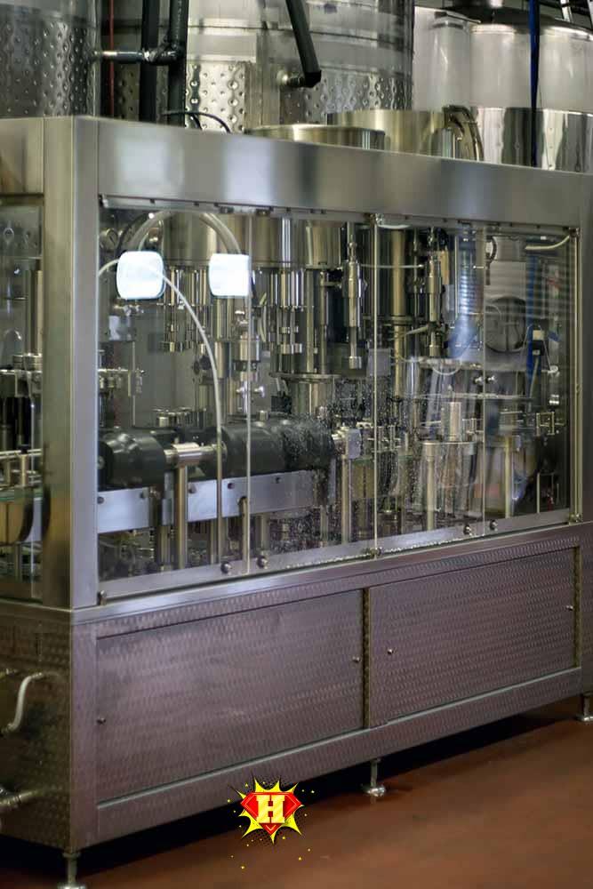 machine for bottling beverages